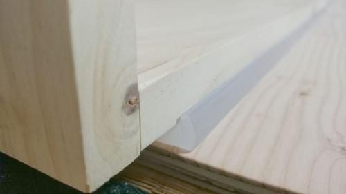 家具転倒防止プレート拡大