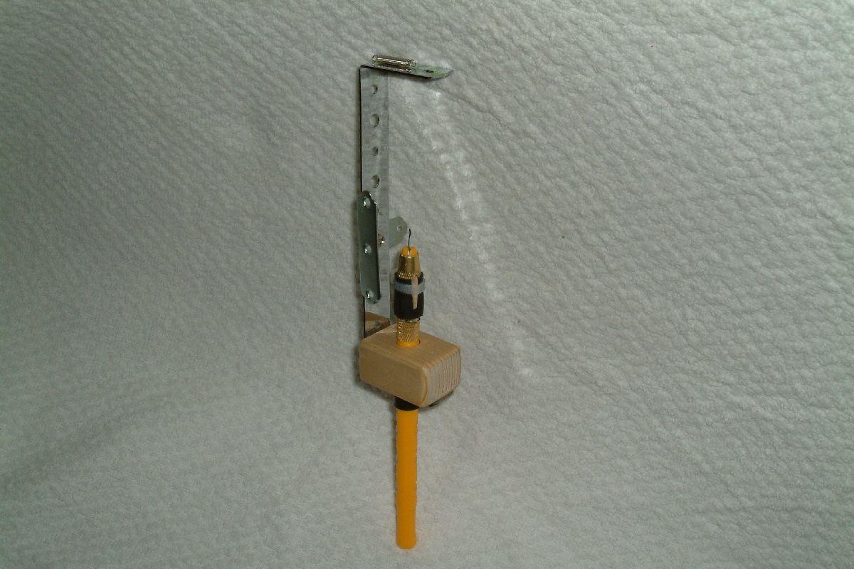 釣り針の「針結び器」
