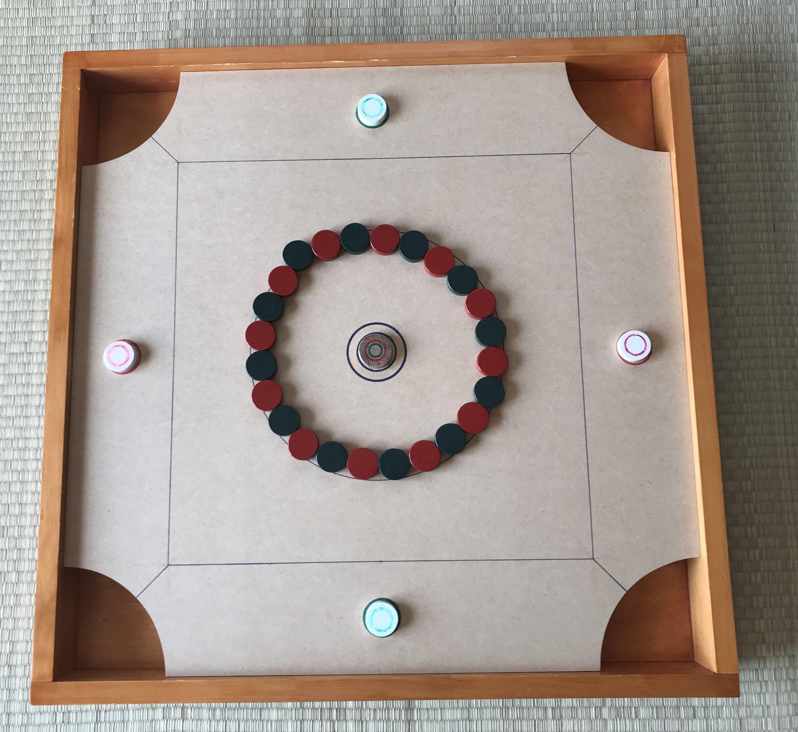 彦根市で人気のボードゲーム盤【CAROM】